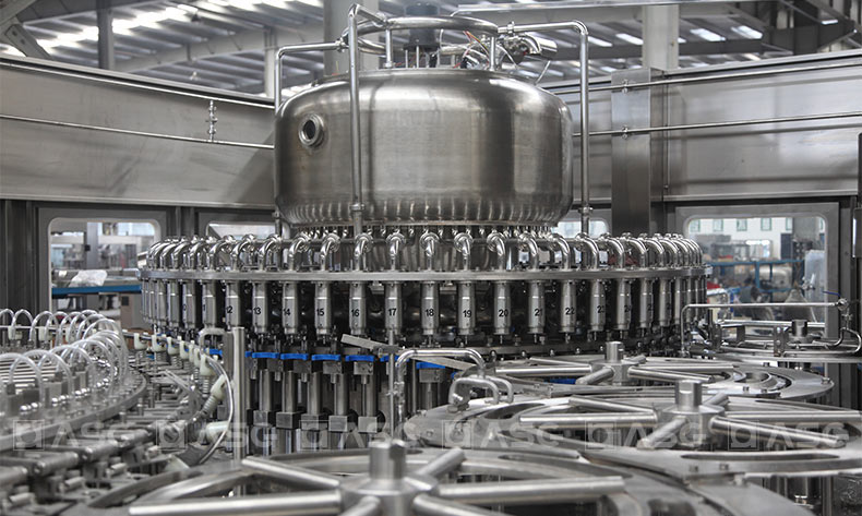 energy-drink-filling-machine-2